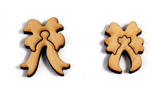 Mistletoe and Holly - Liberty Puzzles - 15